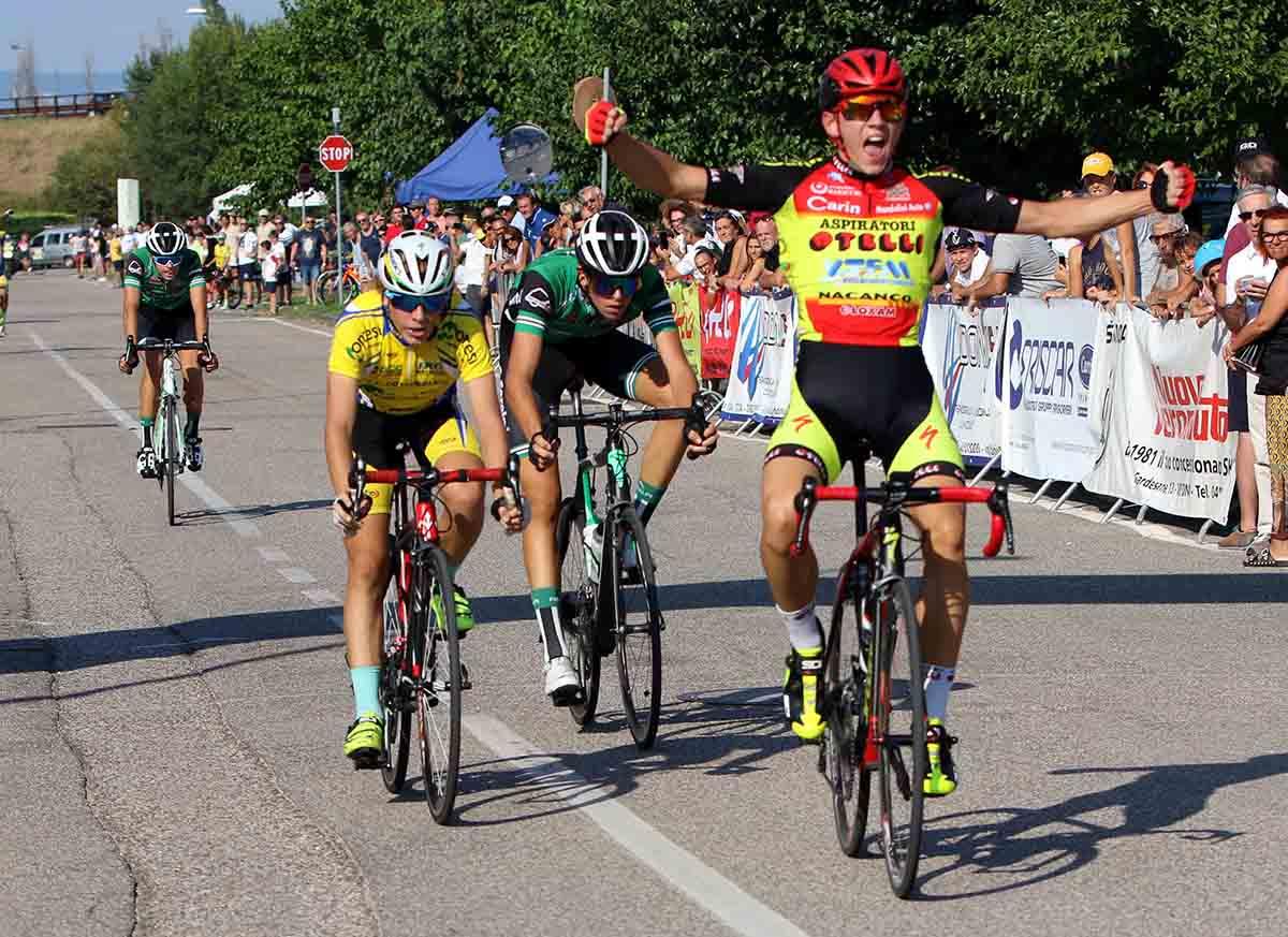 Luca Rezzaghi vince la gara Esordienti di Dossobuono