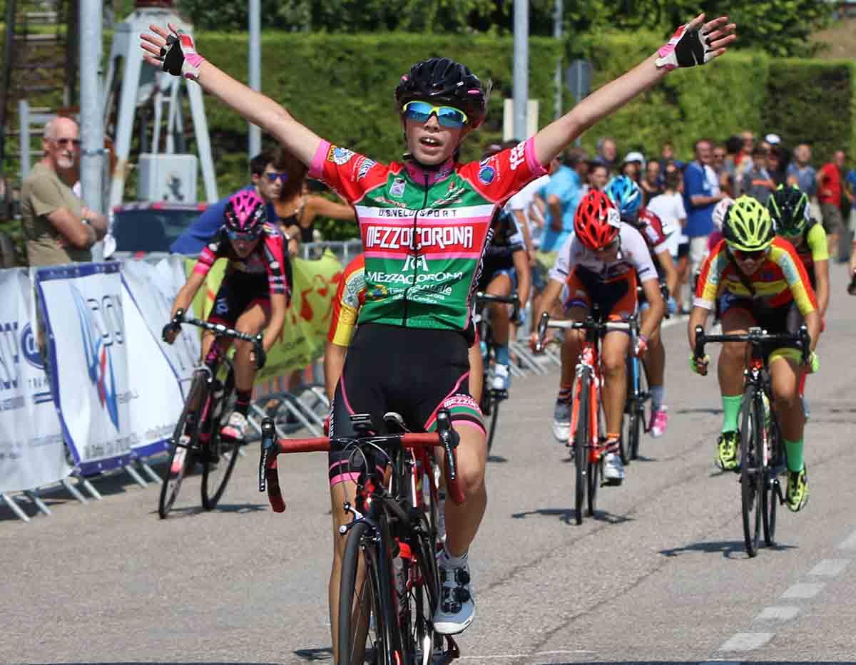 Sara Piffer vince la gara Donne Esordienti di Dossobuono