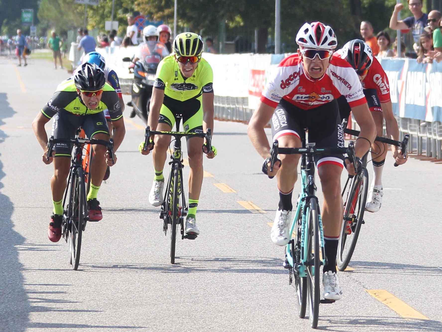 Jonathan Milan vince la seconda tappa del Giro del Norest