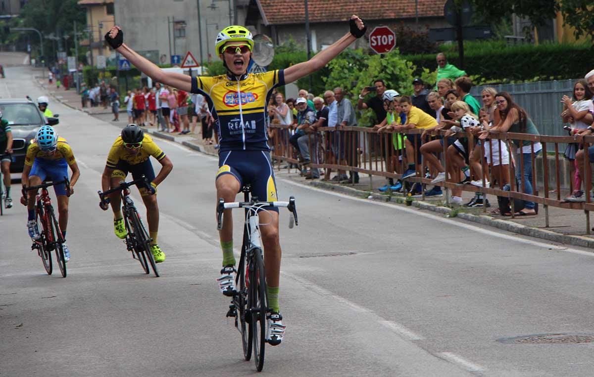 Nicolò Arrighetti vince la gara Esordienti 2° anno del Giro d'Oro 2018