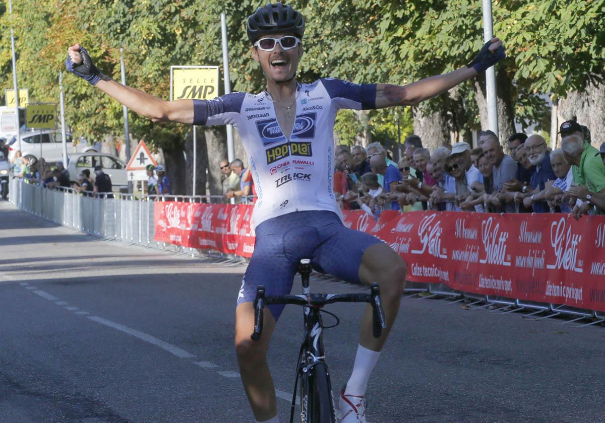 Andrea Cacciotti vince a Rovescala