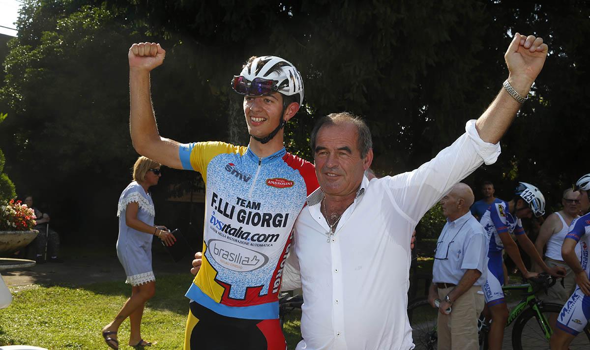 Patron Carlo Giorgi festeggia la vittoria con Yuri Brioni