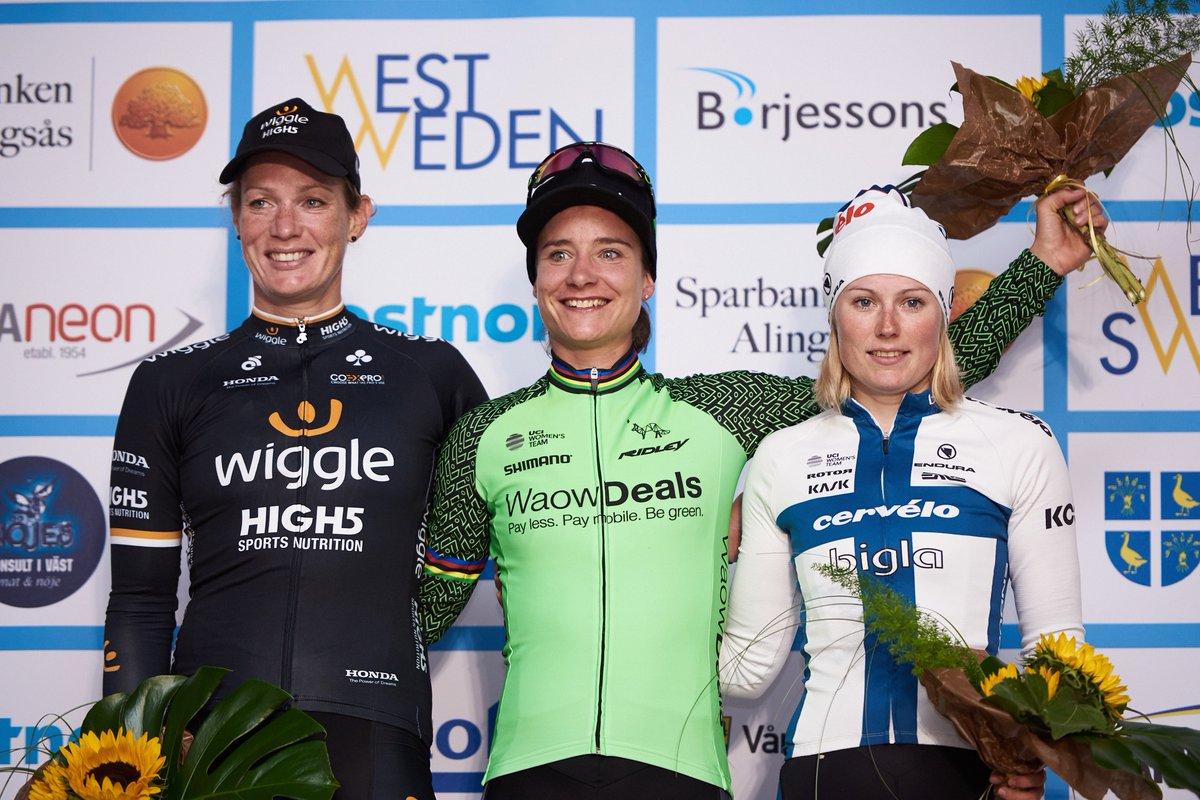 Il podio della PostnordVargardaWest Sweden vinta da Marianne Vos
