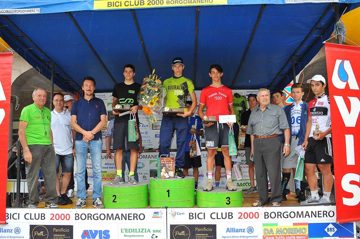 Il podio della Piccola Roubaix Da Burbaneè aBorgomanero