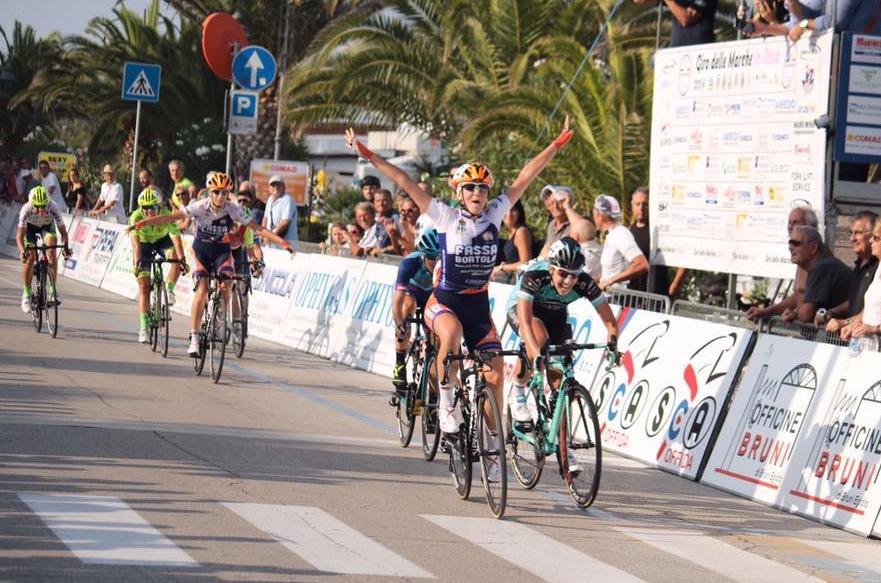 Laura Tomasi vince l'ultima prova del Giro delle Marche in Rosa 2018
