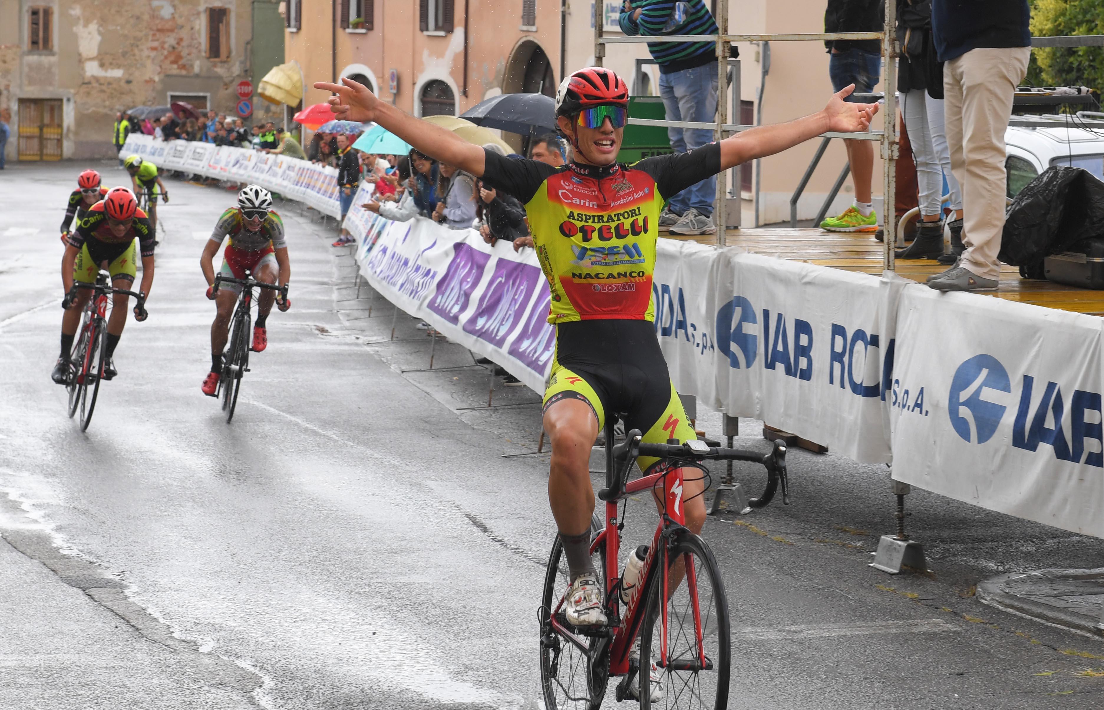 Andrea Luca Giuliani vince la gara Juniores di Calvagese della Riviera
