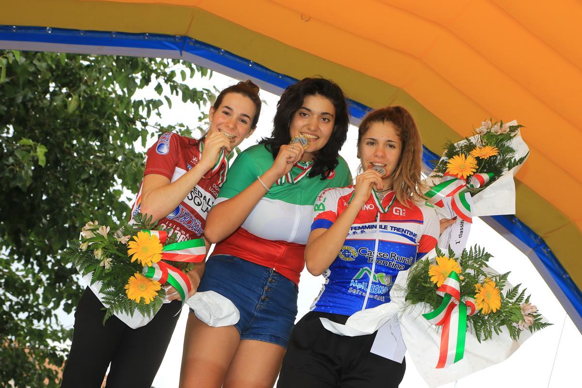Il podio del Campionato Italiano a cronometro Donne Allieve a Villadose