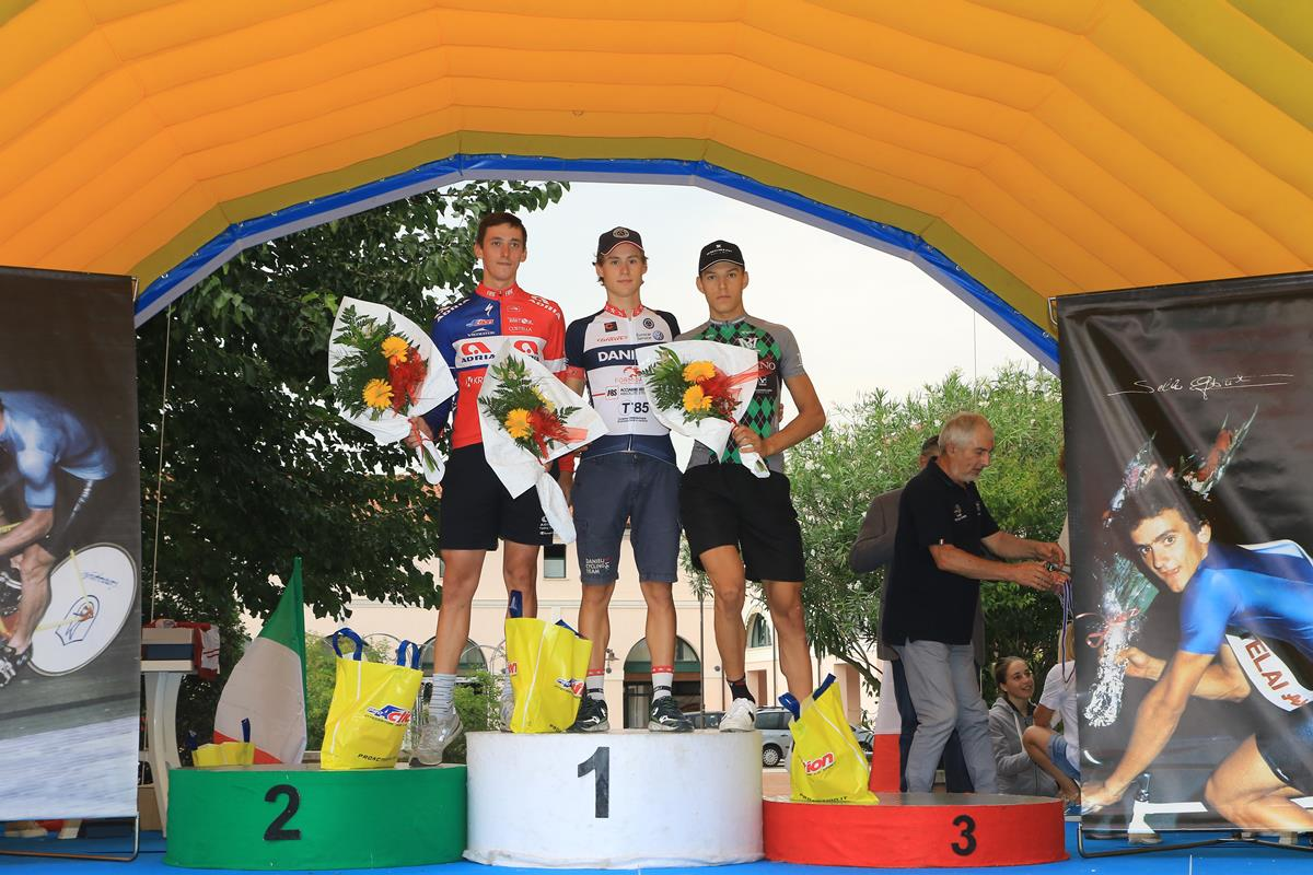 Il podio della cronometro Juniores di Villadose