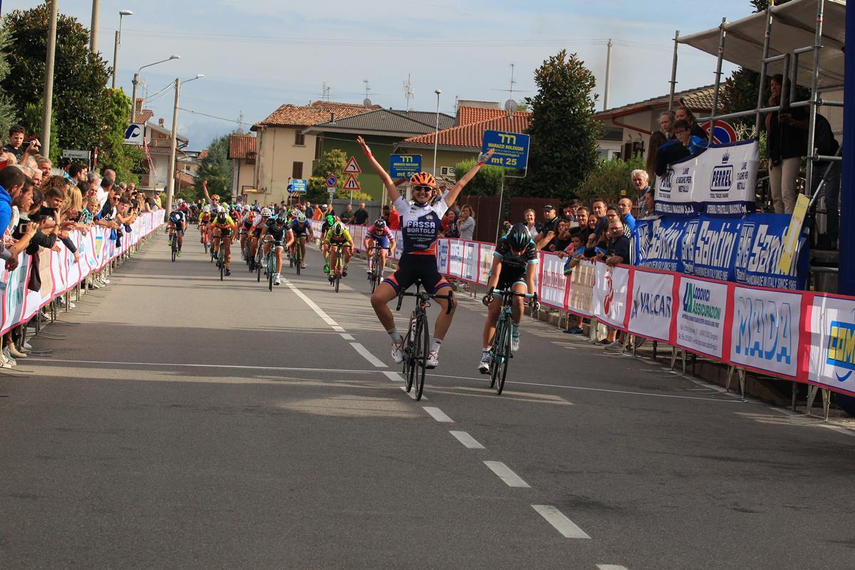 Laura Tomasi vince la gara Donne Open di Bottanuco