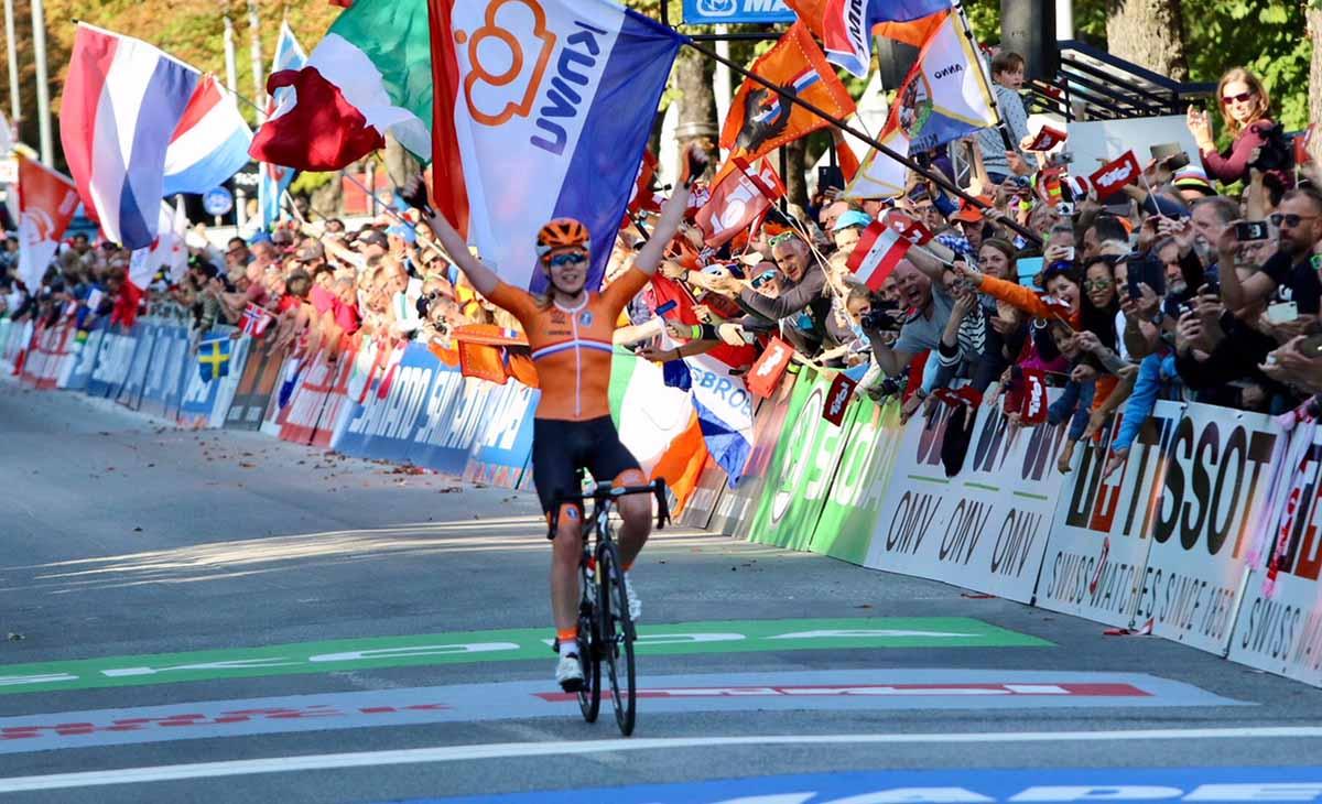 Anna van der Breggen vince la prova in linea del Mondiale Donne Elite a Innsbruck 2018