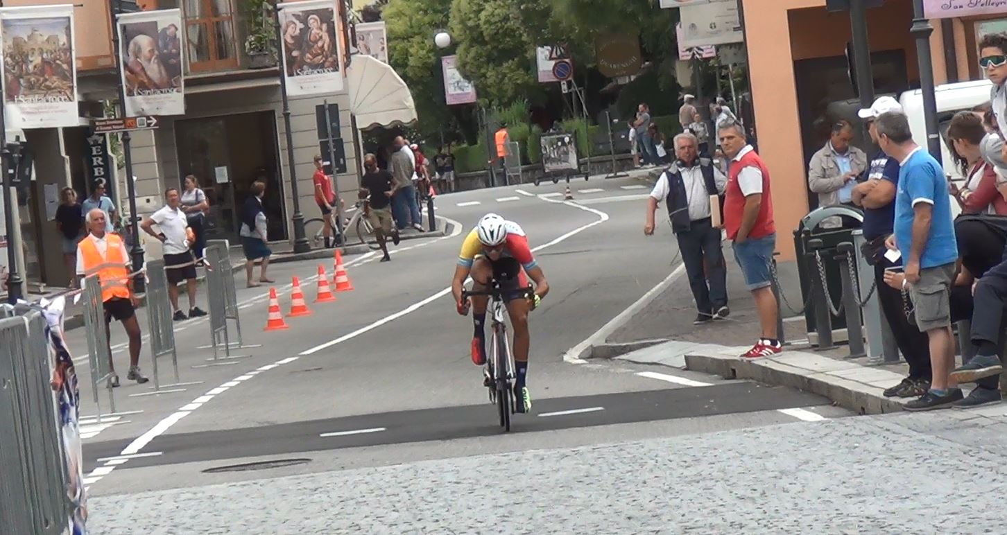 Andrea D'Amato in azione alla cronometro di San Pellegrino Terme