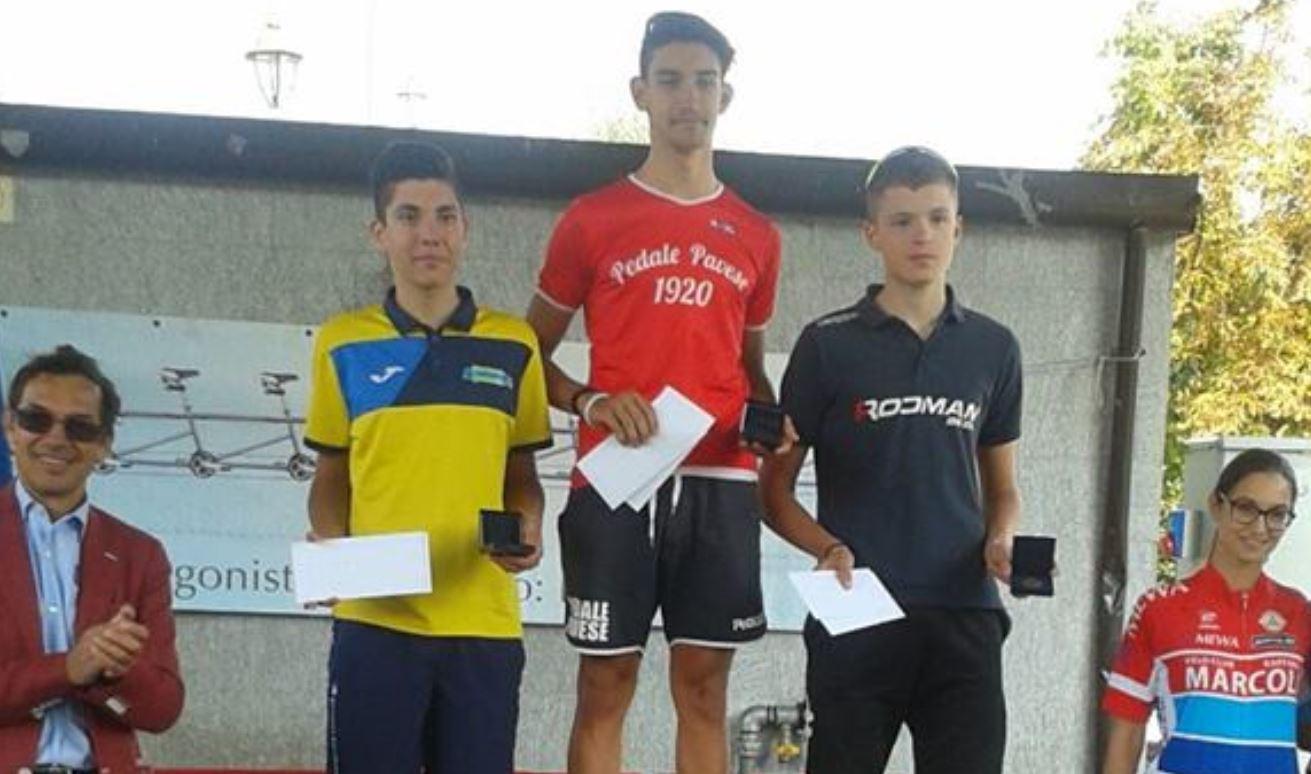 Il podio della gara Allievi di Turbigo vinta da Luca Poggi