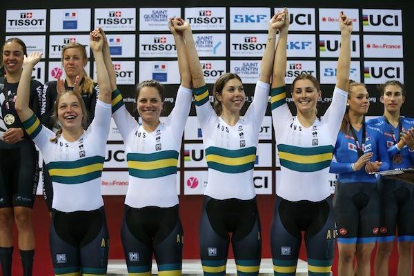 Le australiane vincitrici dell'Inseguimento a squadre femminile in Francia