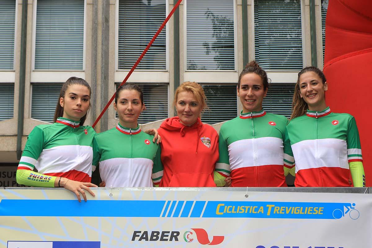 Le ragazze della Zhiraf Guerciotti Selle Italia con Svetlana Bubnenkova campionesse Italiane della Cronosquadre Donne Junior