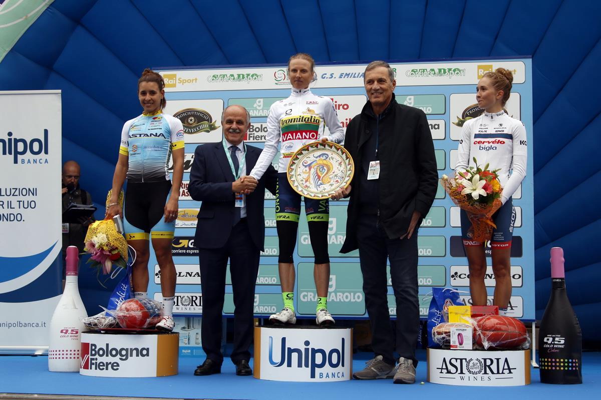 Il podio del Giro dell'Emilia femminile