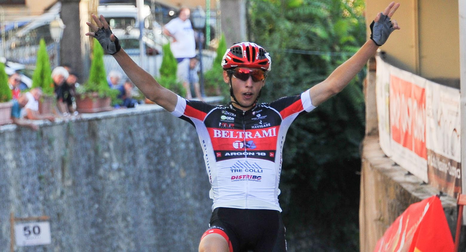 Manuele Tarozzi vince a Castelletto Cervo