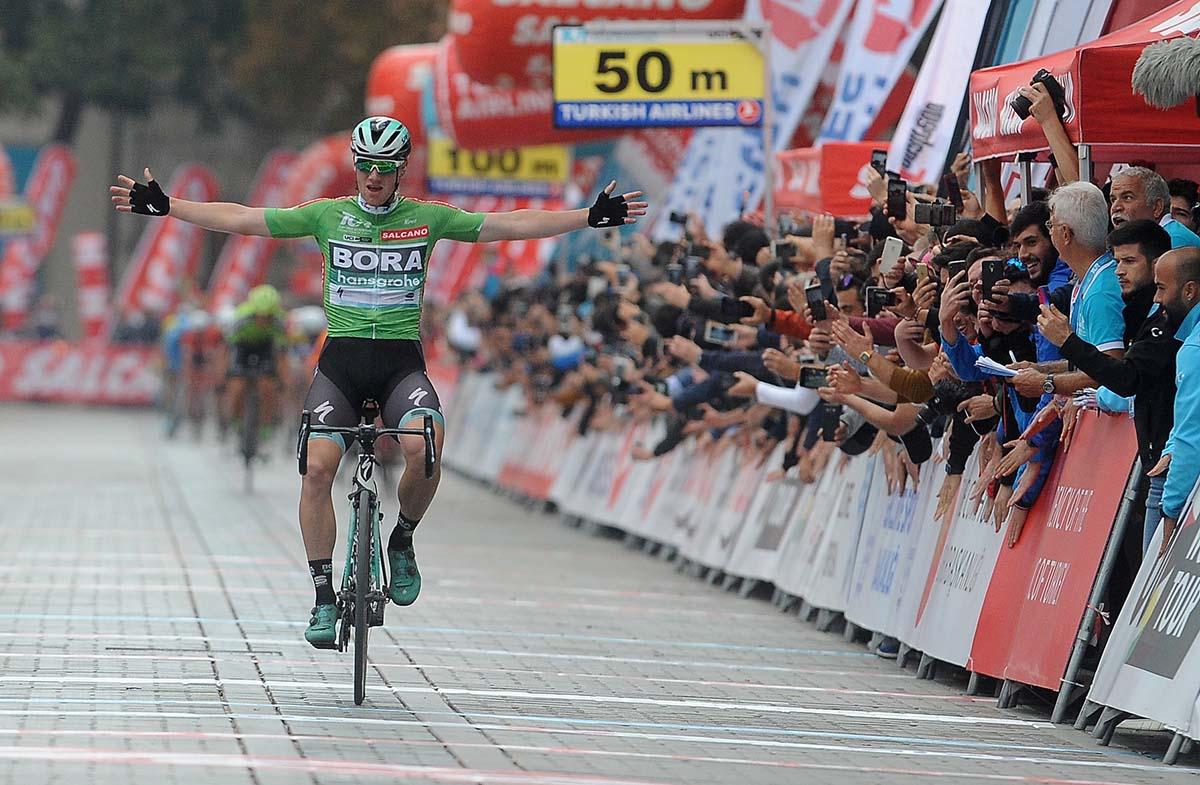 Sam Bennett vince anche l'ultima tappa del Giro di Turchia 2018