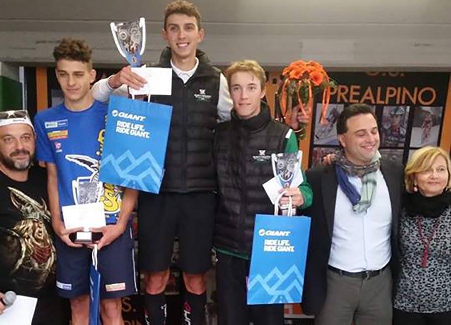 Il podio della gara Juniores di Besnate