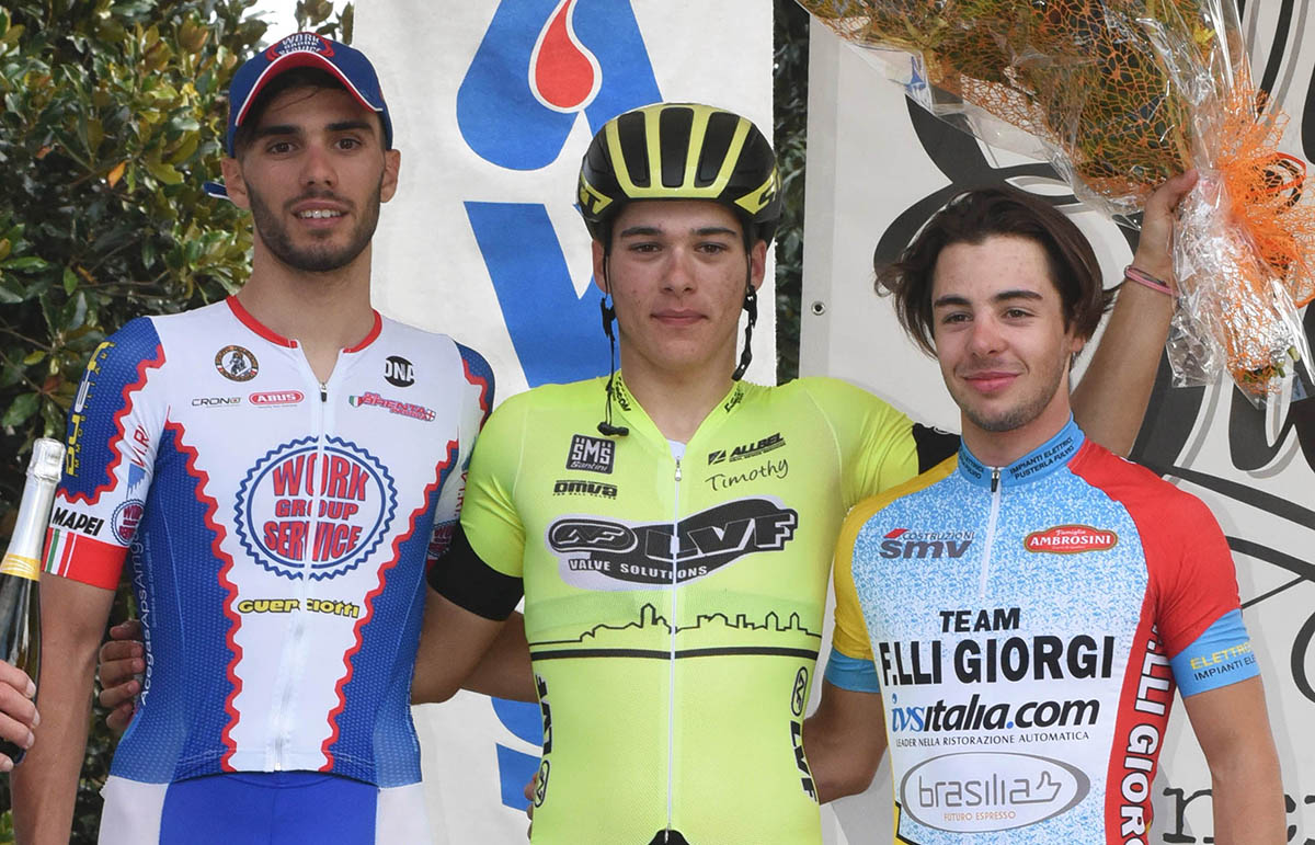 Il podio della gara di Maleo vinta da Tomas Trainini