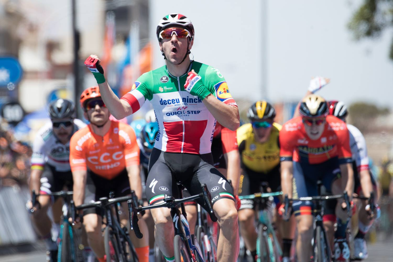 Elia Viviani vince la prima tappa del Tour Down Under