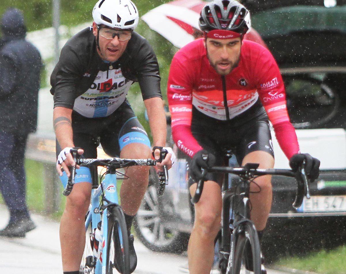 Monaco e Baccio in fuga sotto la pioggia (foto Rodella)