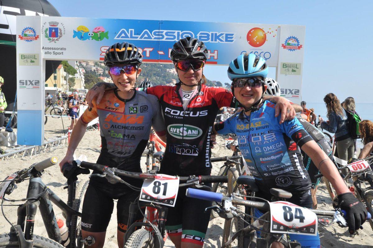 Il podio femminile della Granfondo del Muretto di Alassio MTB 2019