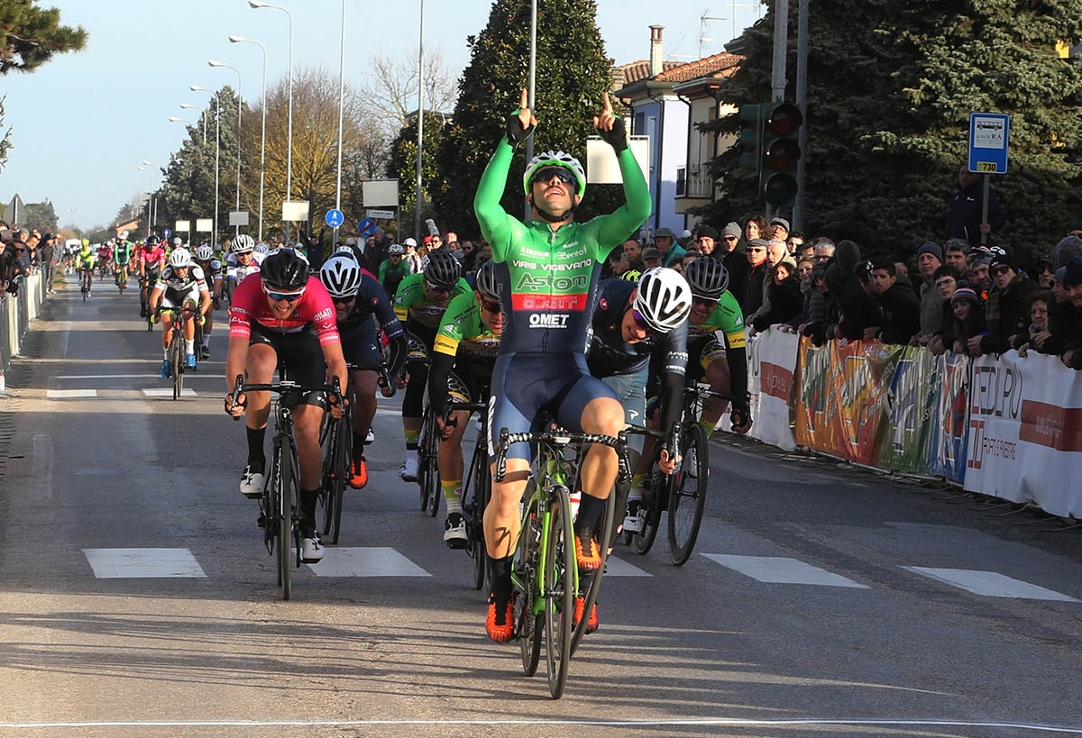 Gianmarco Begnoni vince la Coppa San Bernardino