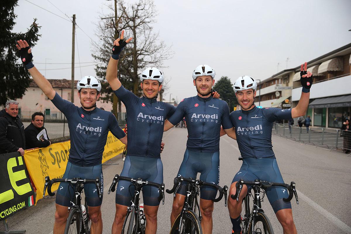 La festa dei ragazzi della Arvedi Cycling a Pianzano (foto Soncini)