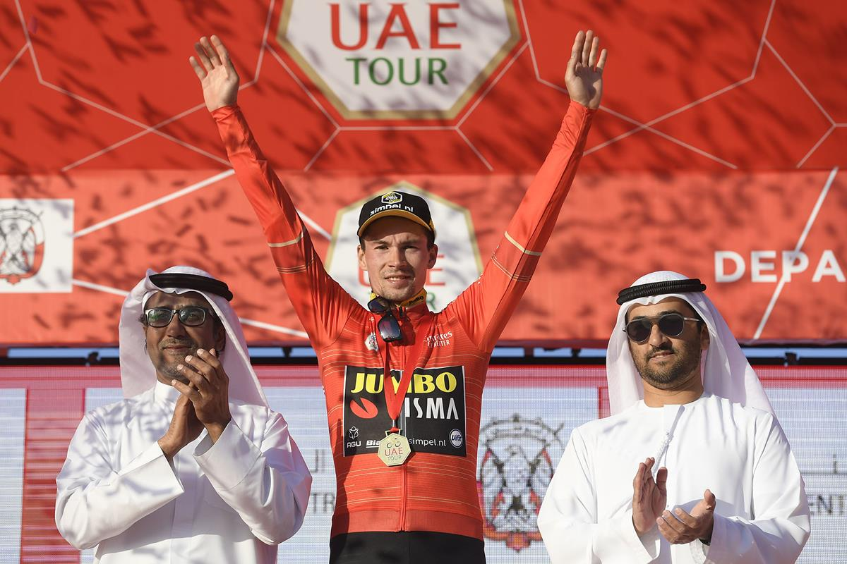 Primoz Roglic leader all'UAE Tour