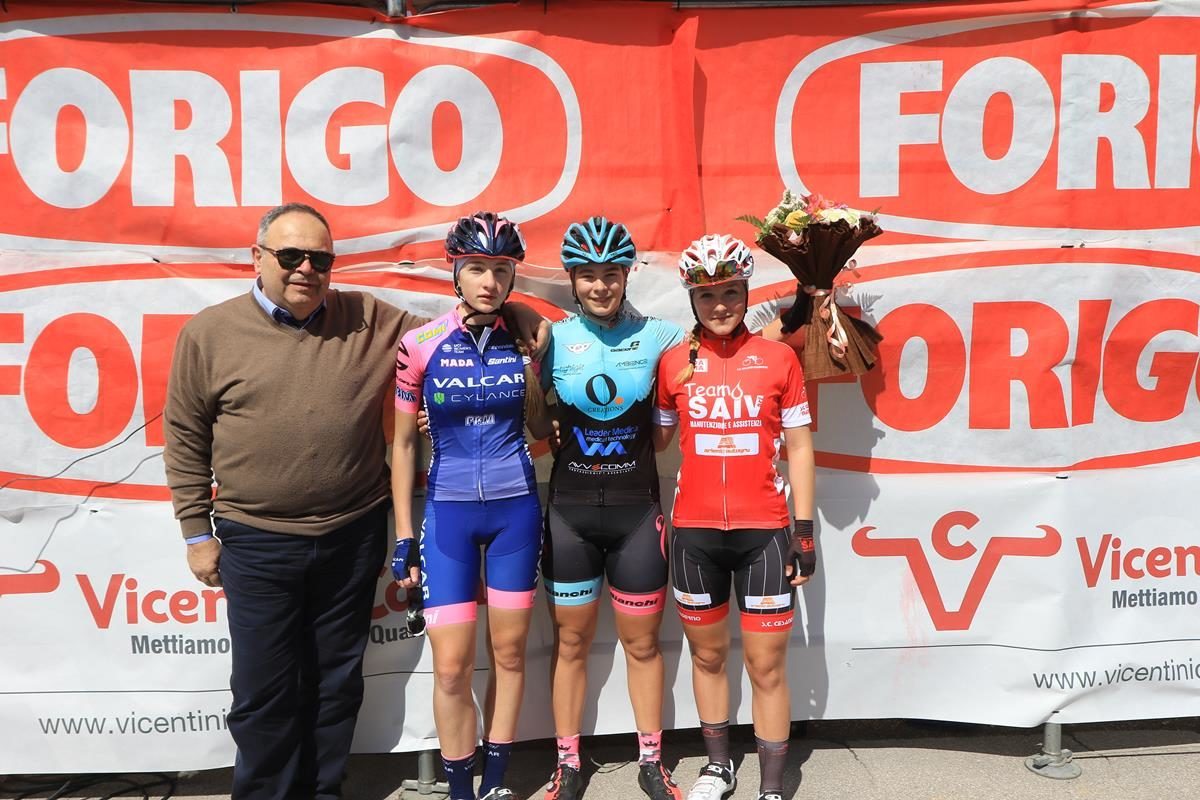 Il podio Donne Esordienti di Crosare di Bovolone (foto Fabiano Ghilardi)