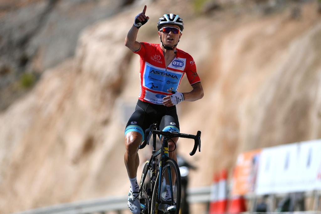 Alexey Lutsenko vince alla Green Mountain la tappa regina del Tour of Oman
