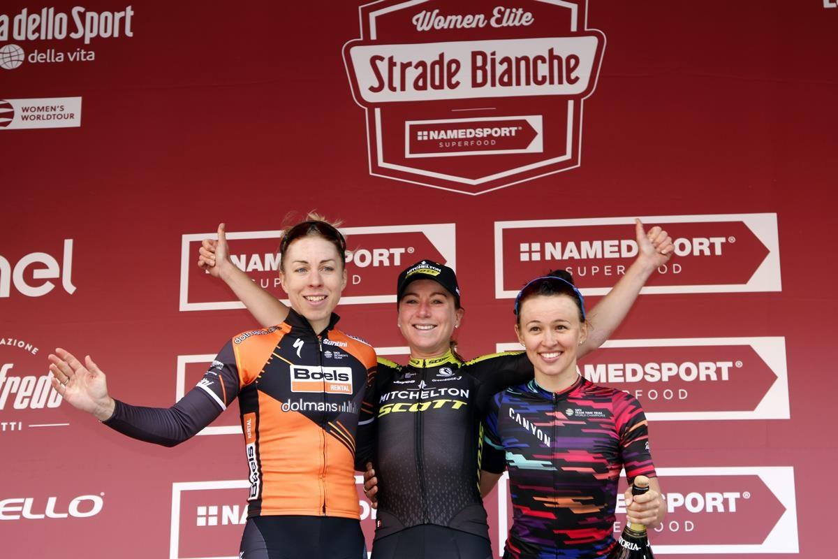 Il podio della Strade Bianche Women Elite 2019 (foto Photobicicailotto)