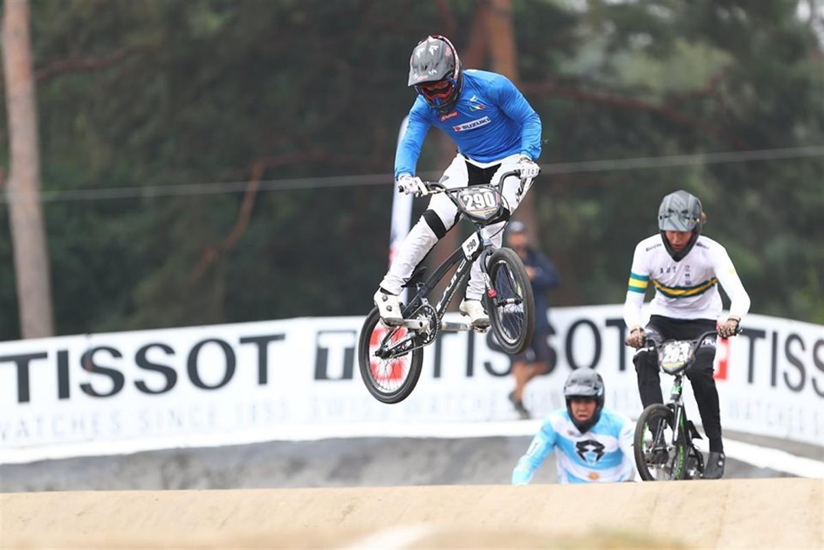 L'azzurro Giacomo Fantoni in azione al Mondiale BMX di Zolder