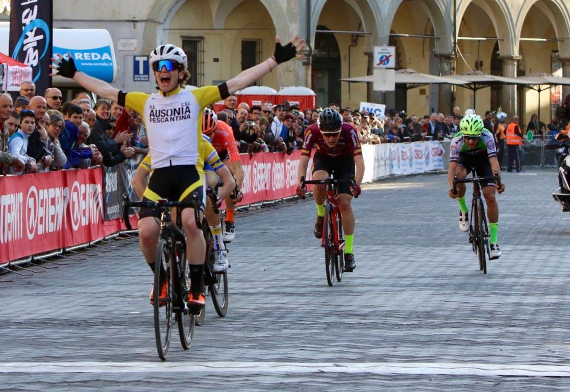 Davide De Cassan vince la GF Cassani Giovani 2019 (foto Photobicicailotto)