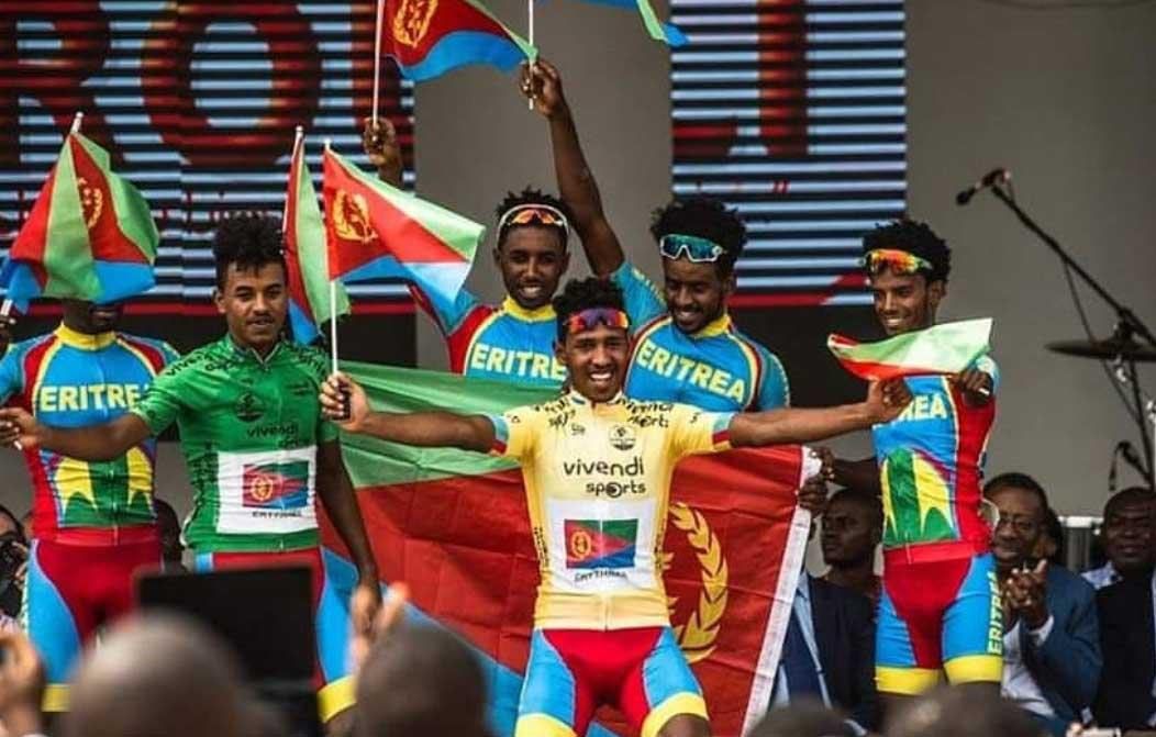 L'Eritrea festeggia la vittoria di Yacob Debesay al Tour de l'Espoir 2019, prima prova di Coppa delle Nazioni U23