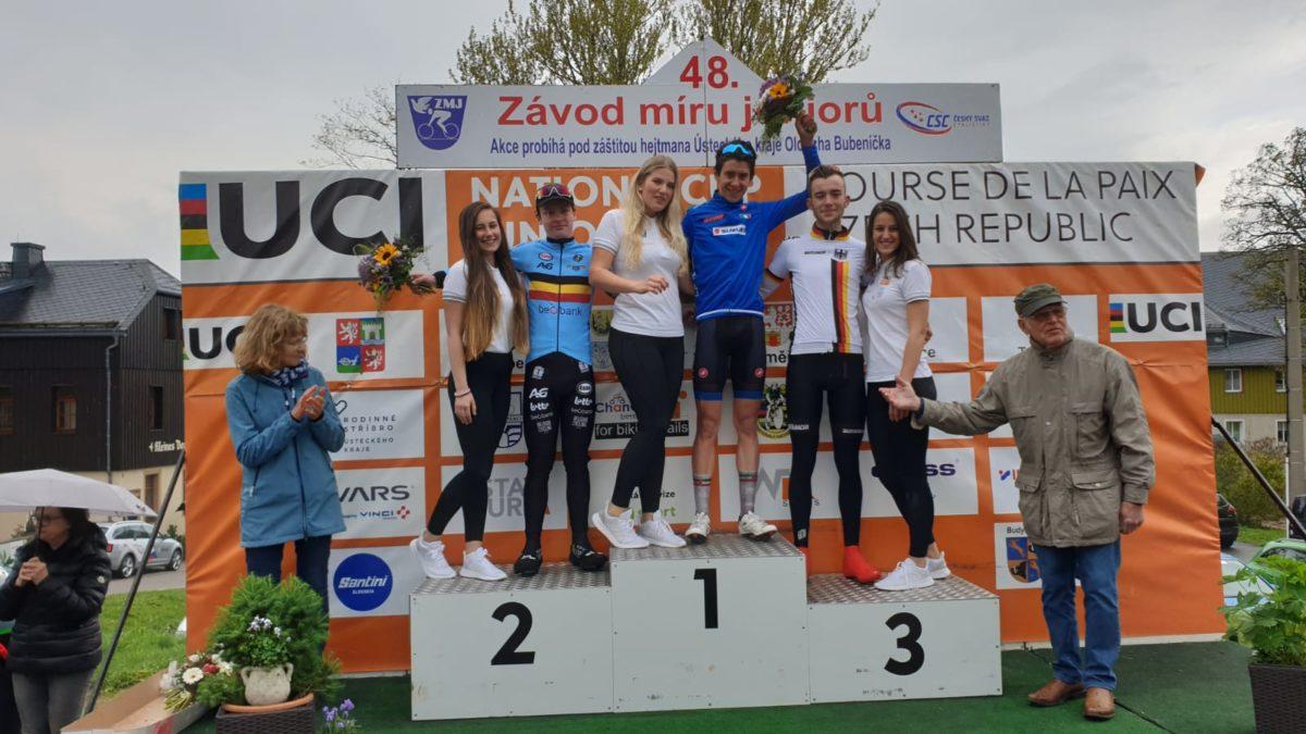 Il podio della terza tappa della Corsa della Pace 2019 vinta da Antonio Tiberi