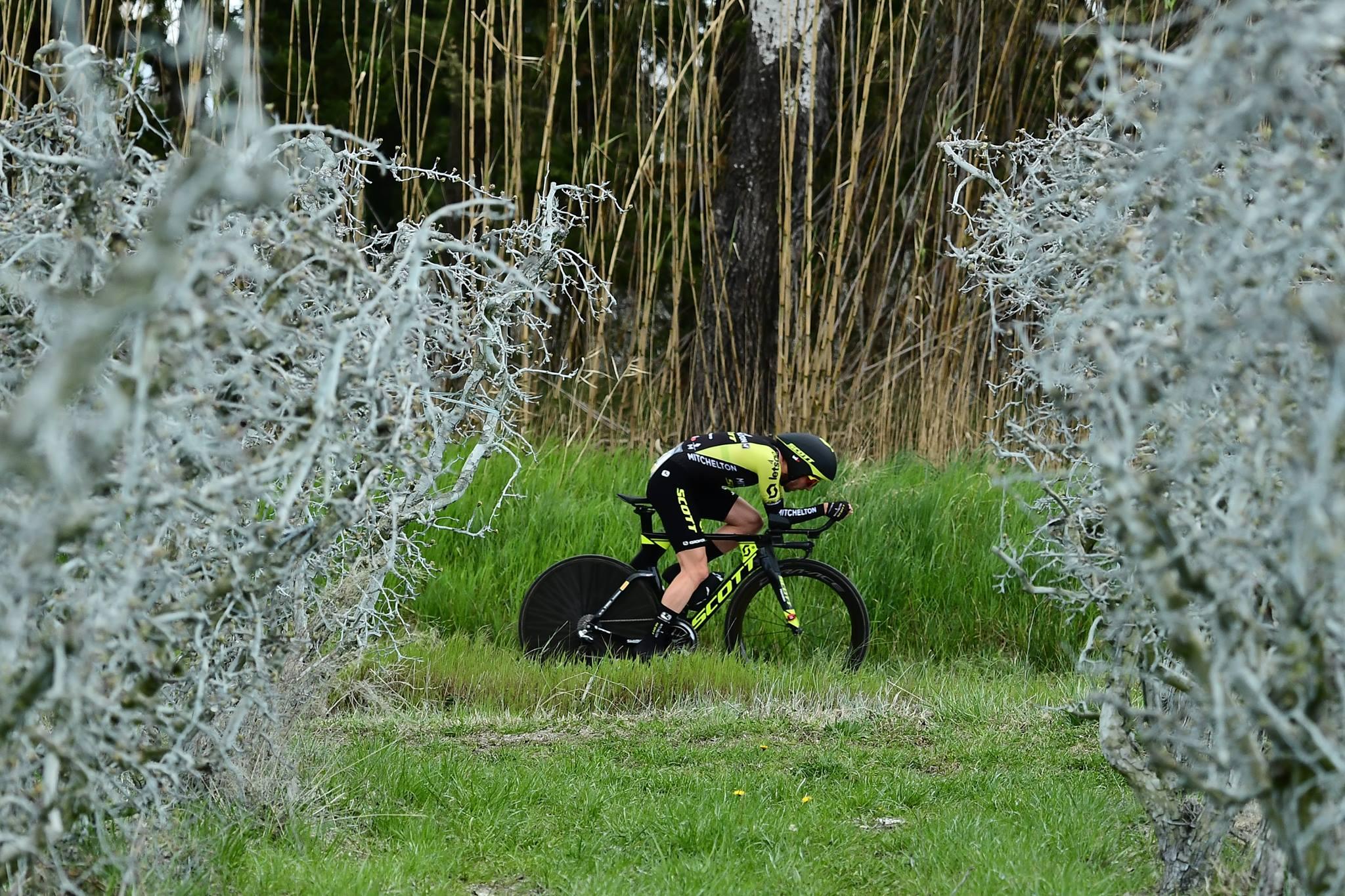 Simon Yates vince la quinta tappa a cronometro della Parigi-Nizza 2019 (foto A.S.O.)