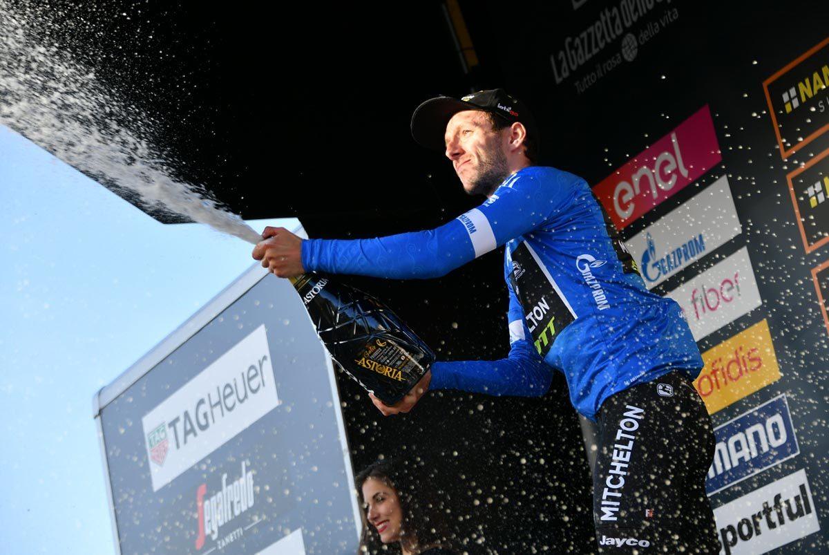 Adam Yates sempre leader alla Tirreno-Adriatico (foto LaPresse)