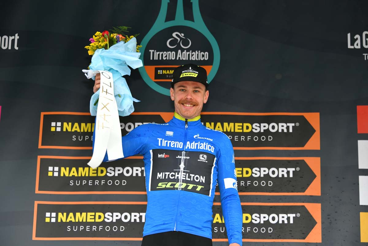 Michael Hepburn primo leader alla Tirreno-Adriatico 2019 (foto LaPresse)