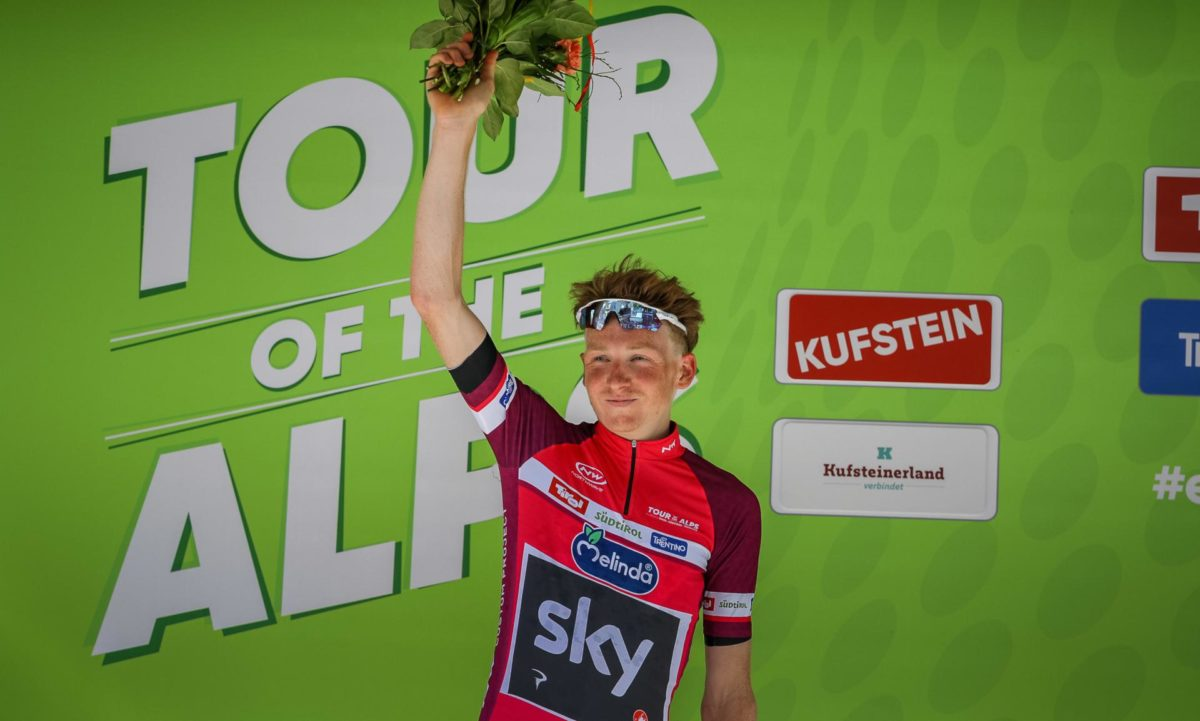Tao Geoghegan Hartprimo leader del Tour of the Alps 2019 (foto Josef Vaishar)