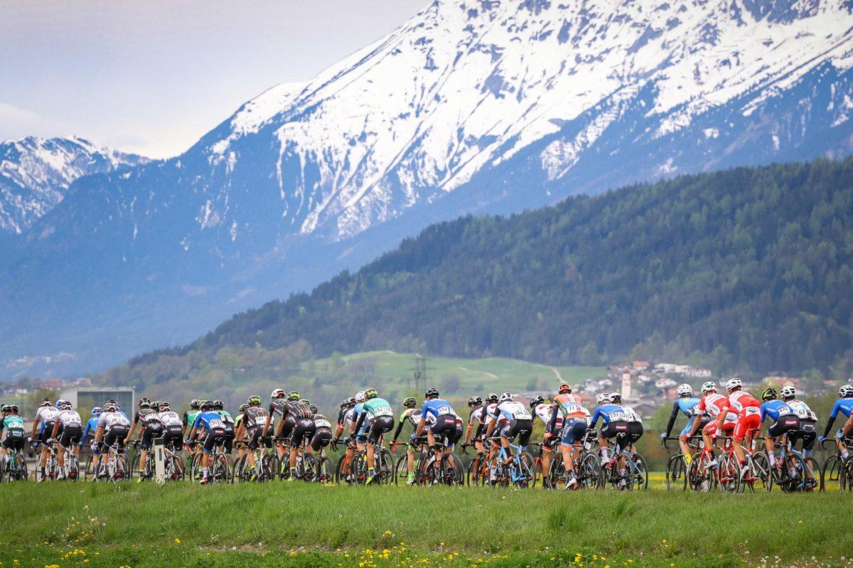 Una passaggio tra le montagne dell'Alto Adige (foto Pentaphoto)