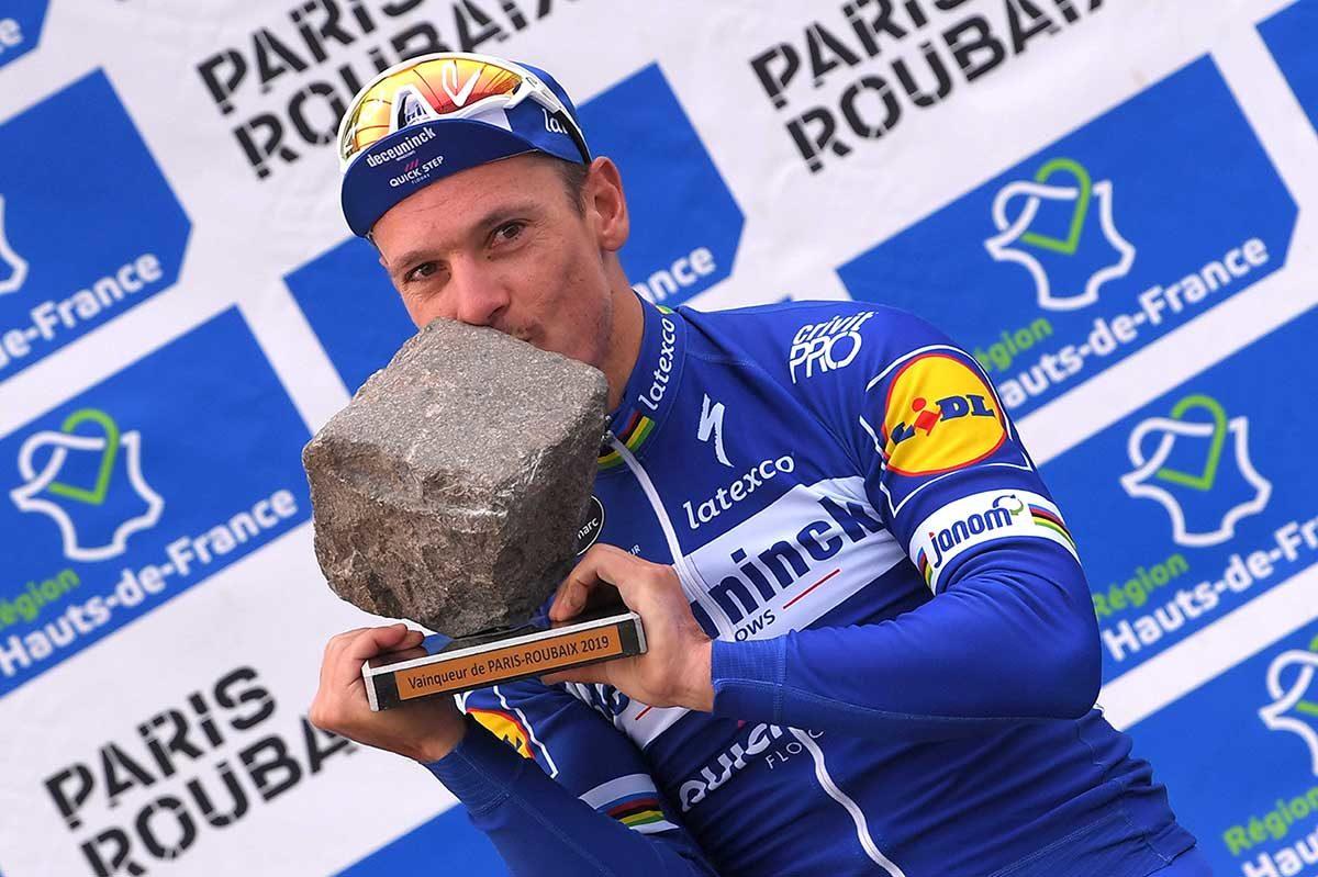 Philippe Gilbert vincitore della Parigi-Roubaix 2019 (foto Tim de Waele/Getty Images)