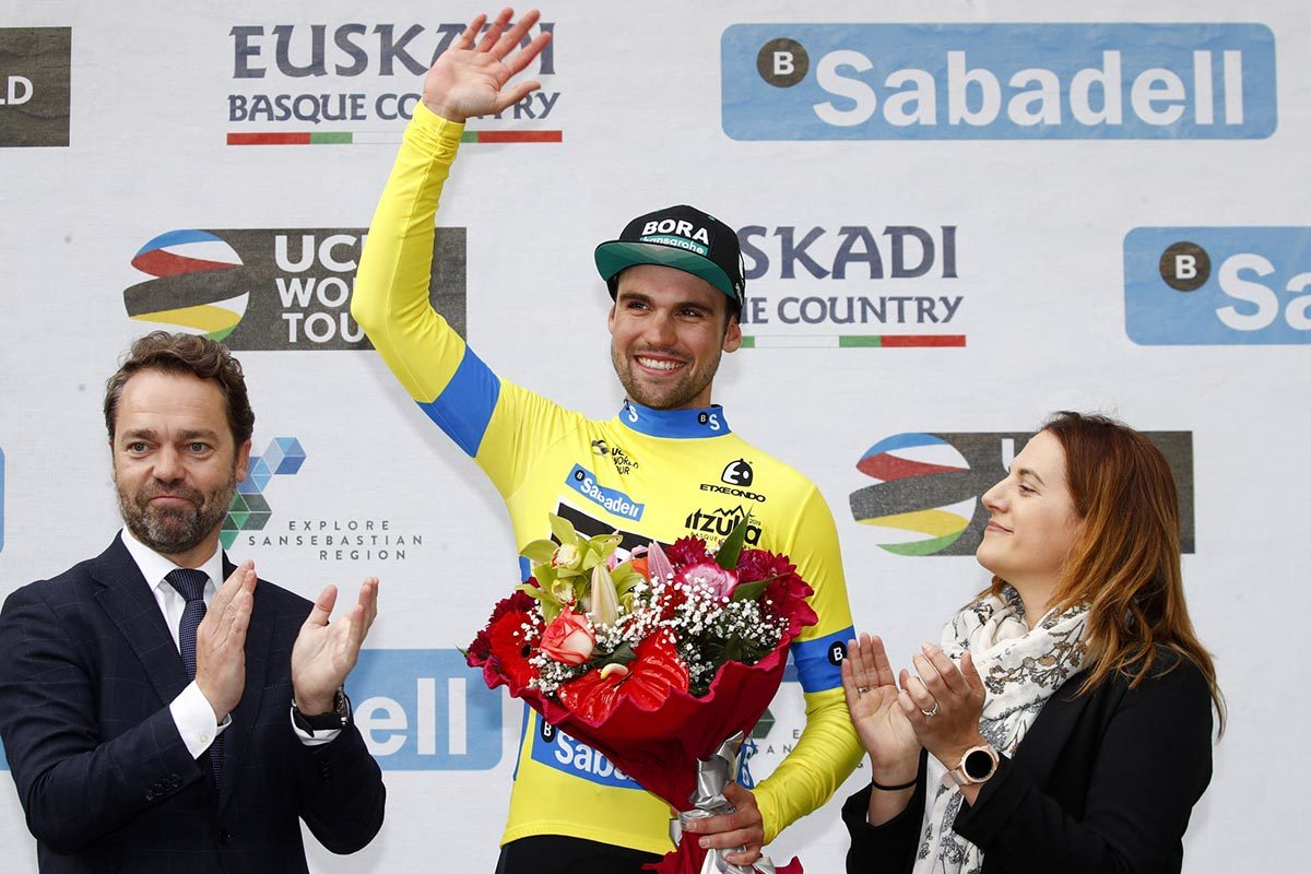 Maximilian Schachmann sempre leader della Itzulia Basque Country (foto BettiniPhoto)