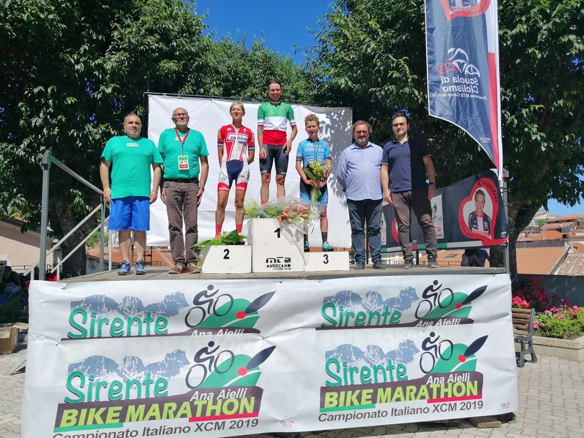 Il podio femminile del Campionato Italiano Marathon vinto da Mara Fumagalli