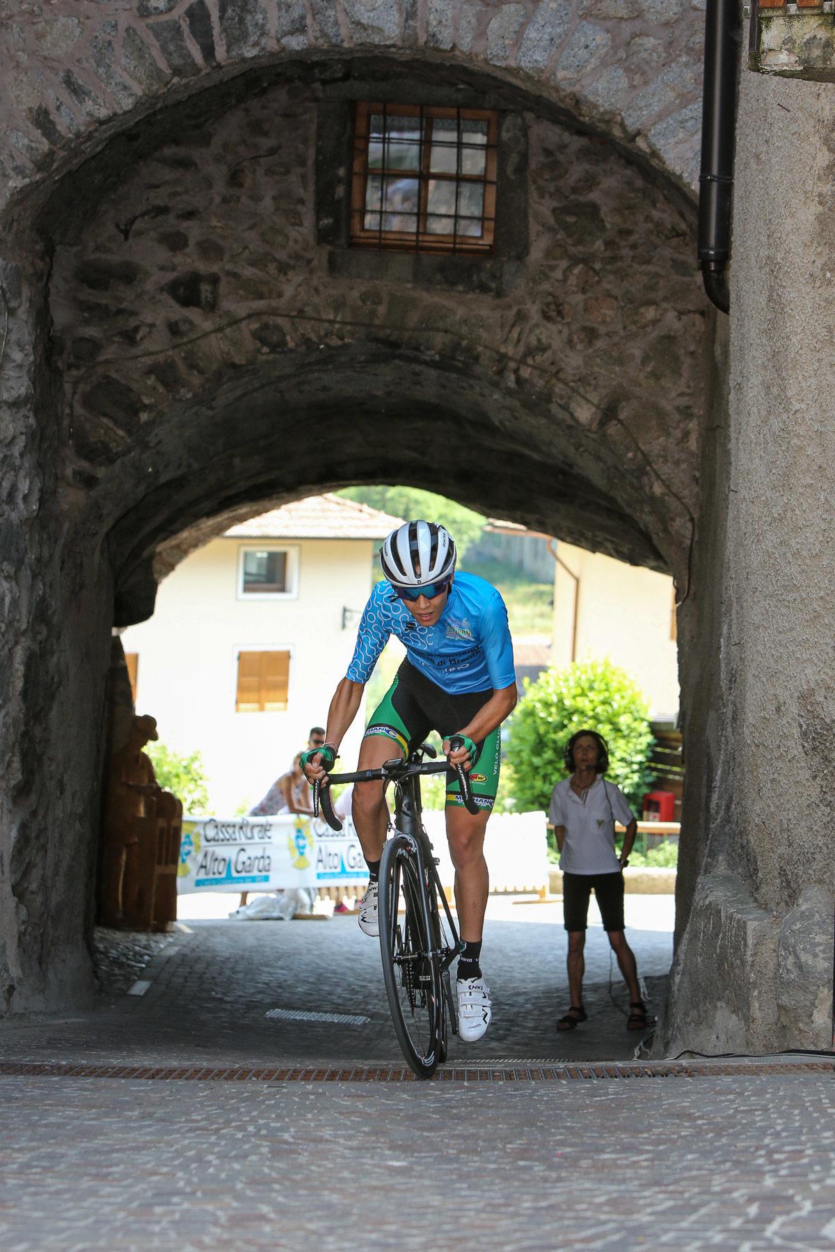 Alessandro Pinarello in azione nel Borgo di Rango