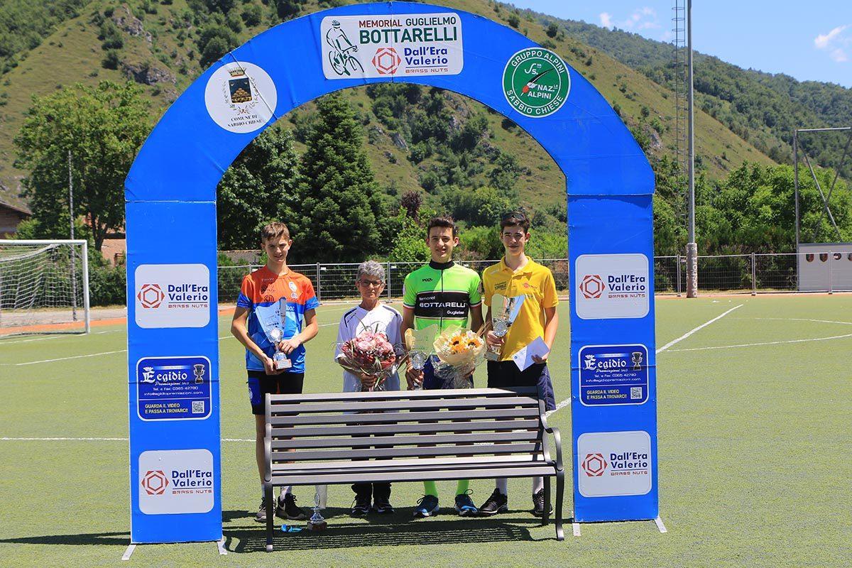Il podio della gara Esordienti di Sabbio Chiese (foto Fabiano Ghilardi)
