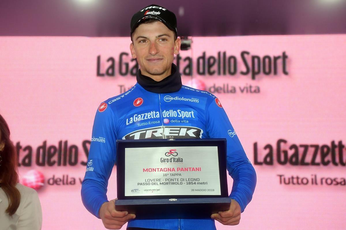 La maglia azzurra e vincitore di tappa Giulio Ciccone (foto LaPresse)