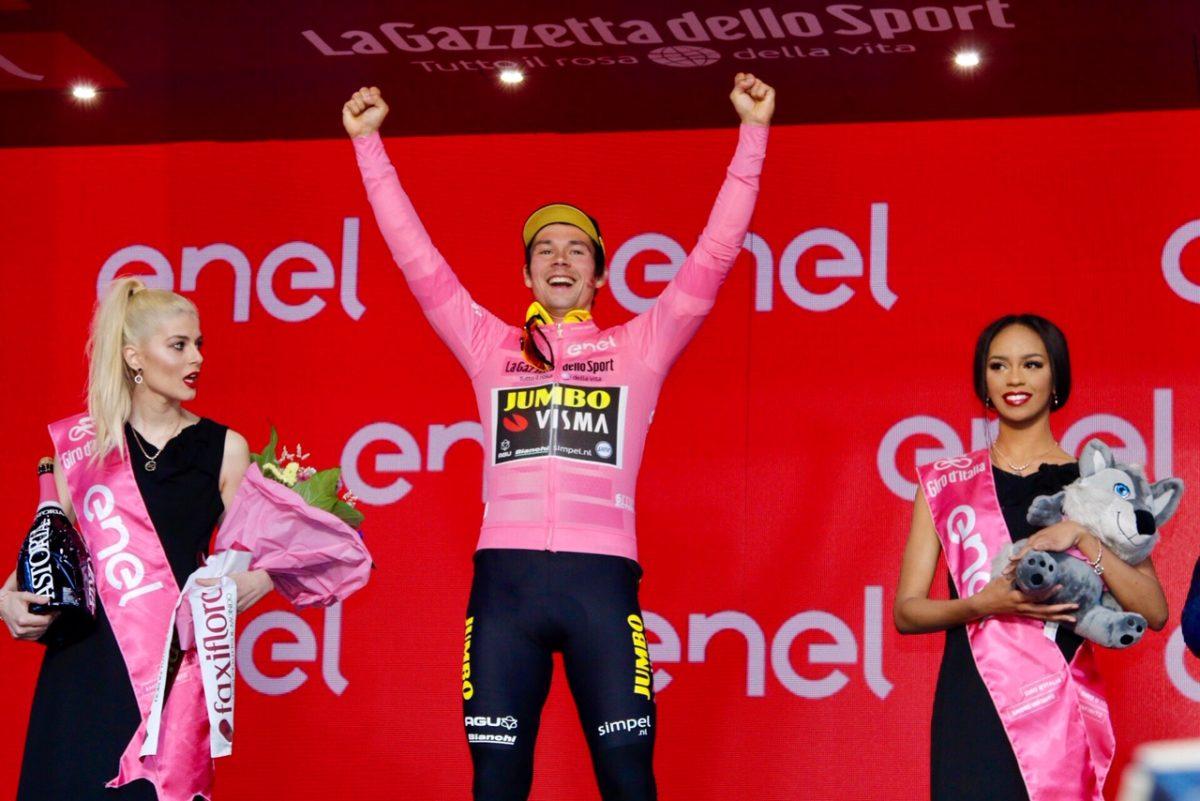 Primoz Roglic prima maglia rosa del Giro d'Italia 2019 (foto Photobicicailotto)