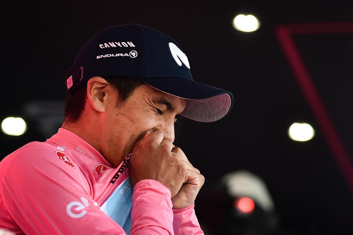 Richard Carapaz è il primo ecuadoriano in maglia rosa nella storia del Giro (foto LaPresse)