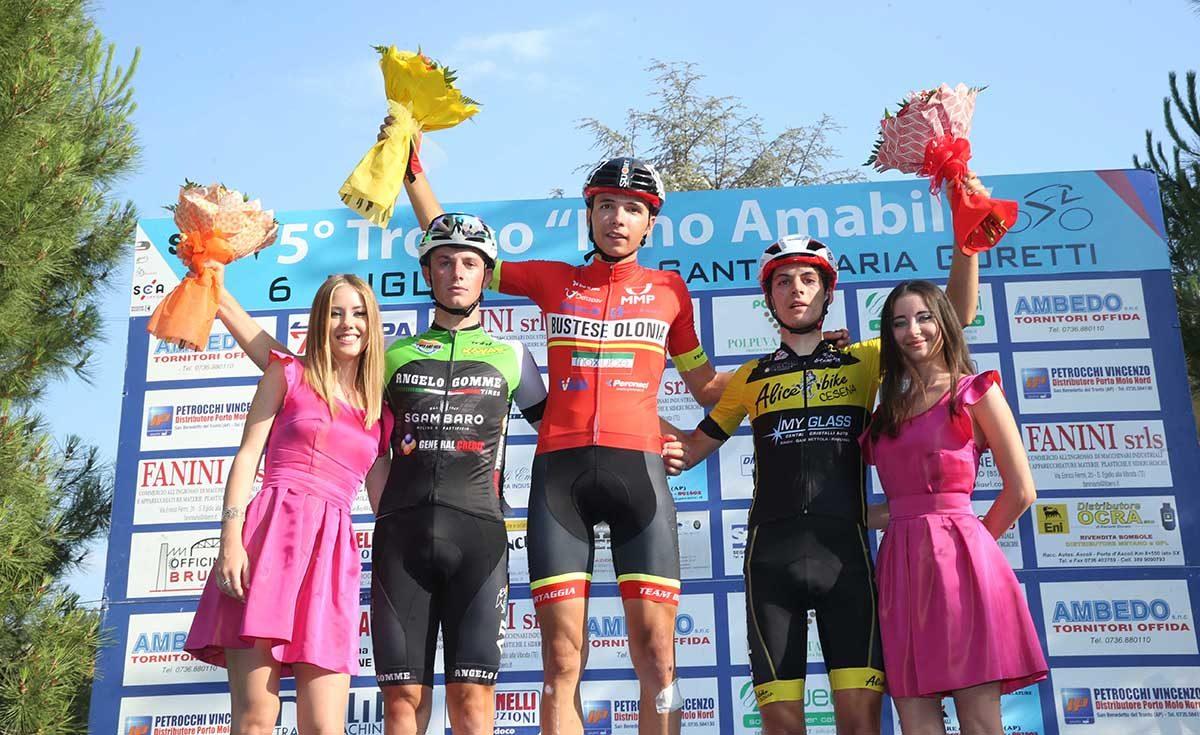 Il podio della gara Juniores di Offida vinta da Pietro Aimonetto (foto Soncini)